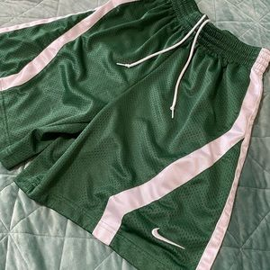 ✨Nike Green & White Shorts -Size Small